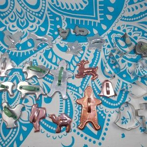 24 Vintage Cookie Cutters Mix Christmas Animals